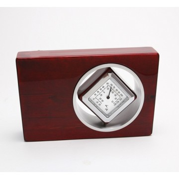 P35-CG4 Spinning Desktop Clock
